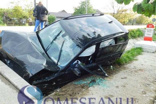 Accident în Crainimăt. Un șofer a intrat într-un cap de pod