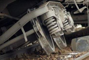 Ultima oră: Tren de călători deraiat în zona gării Beclean. Circulația feroviară blocată