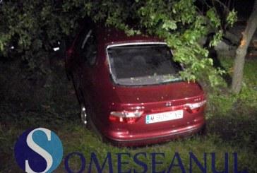 Accident la Bunești. Șofer băut din Mintiu Gherlii s-a răsturnat cu mașina – FOTO