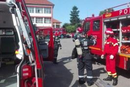 """Exercițiu tactic desfășurat de pompieri la Școala Gimnazială """"Avram Iancu"""" Bistrița"""