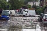 Urmările inundațiilor la Cluj-Napoca: zeci de case inundate și mașini avariate