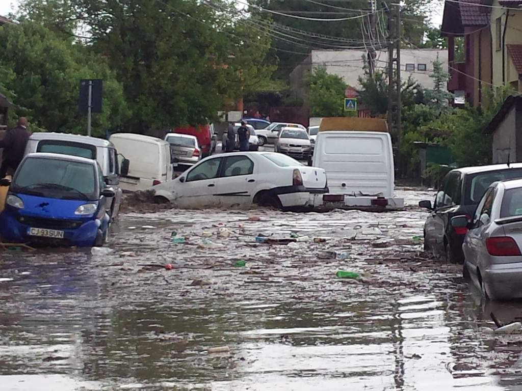masini inundatii cluj