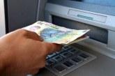 Se mai întâmplă la Cluj: O femeie a găsit bani în ATM și i-a predat poliției