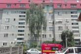 Salvare miraculoasă la Bistrița – Un copil de 3 ani a căzut de la etajul 5 și a supraviețuit
