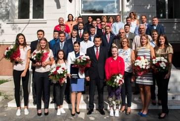 Sportivii dinamoviști întorși de la Olimpiadă au fost felicitați de ministrul Petre Tobă – FOTO