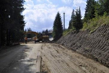 Pregătiri pentru iarnă. Drumul dintre Stațiunea Băișoara și Pârtia Buscat intră în reparații