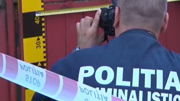 Crimă înfiorătoare la Sighetu Marmaţiei. Un bărbat şi-a ucis tatăl lovindu-l în cap cu ciocanul