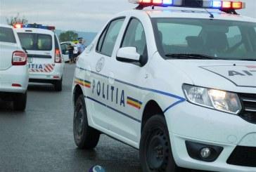 Grav accident la Deja. Un tânăr a fost prins între o mașină de gunoi și un stâlp de beton