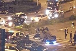 Accident spectaculos în Cluj. Un BMW s-a răsturnat cu roțile în sus în giratoriul din Mărăști – FOTO