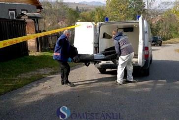 Crimă odioasă în Cluj: Și-a ucis tatăl cu toporul, apoi i-a ascuns cadavrul în beciul casei