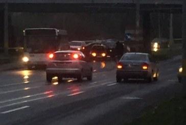 FOTO – Accident în Cluj-Napoca. O tânără a fost rănită