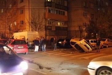 Accident în Cluj-Napoca. O mașină s-a răsturnat după ce a pătruns aiurea în intersecție