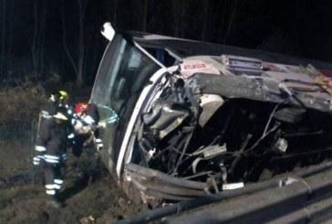 Români răniți în Italia, după ce un autocar al firmei Atlassib s-a răsturnat