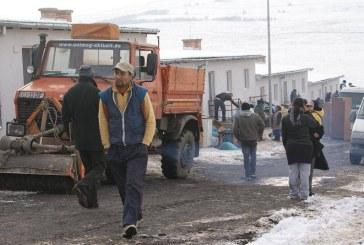 Protest la Baia Mare față de intenția primăriei de a ridica locuințe pentru romi într-un cartier