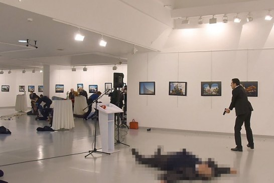 Grav incident internațional. Ambasadorul Rusiei în Turcia a fost împușcat mortal – FOTO/VIDEO