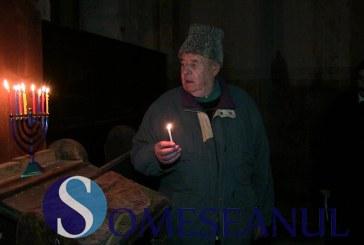 """Evreii au celebrat azi la Sinagoga din Gherla, Hanuka, numită și """"Sărbătoarea luminilor"""" – FOTO/VIDEO"""