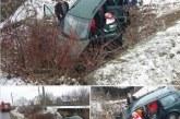 Poleiul a dat bătăi de cap șoferilor. Patru mașini au derapat în Bistrița-Năsăud