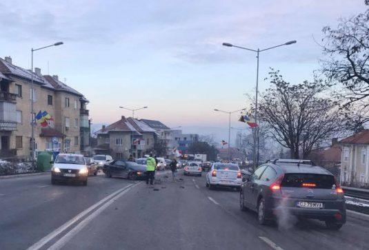 accident-calea-turzii-cluj-11-ianuarie-2-535x363 Circulație blocată în Cluj, pe Calea Turzii, din cauza a două accidente - FOTO