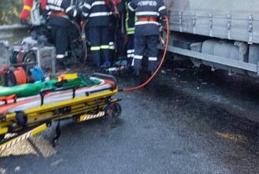 Grav accident în pasul Tihuța. Două TIR-uri s-au ciocnit frontal – FOTO