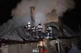Incendiu la o gospodărie din Nima. 90% din acoperiș a fost distrus de flăcări – VIDEO