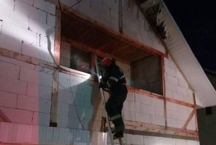 Intervenție a pompierilor bistrițeni pentru lichidarea unui incendiu la minus 22 de grade