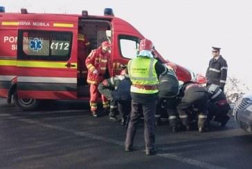 Două mașini avariate într-un accident provocat de un șofer din Gherla