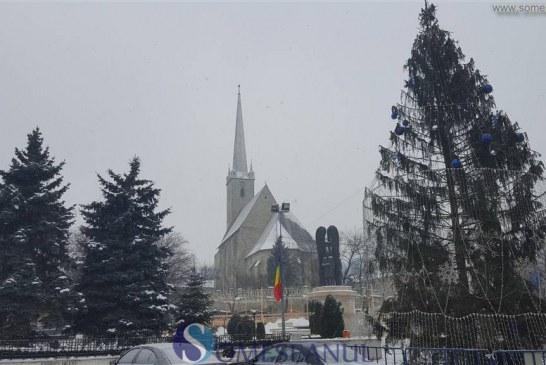 Iluminatul festiv de iarnă, demontat în aceste zile la Dej