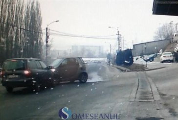 Accident surprins LIVE pa Calea Baciului din Cluj-Napoca – VIDEO