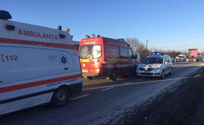 Accident mortal în Câmpia Turzii. Șoferul unui microbuz a murit pe loc
