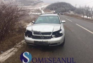Accident la ieșire din Gherla. Trei mașini au fost avariate – FOTO