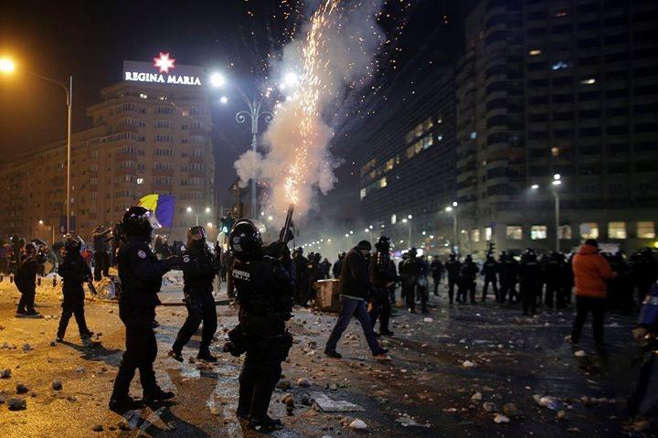 proteste violente bucuresti ultrasi jandarmerie