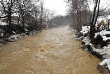 Cod roșu de inundații în Maramureș. Râul Tisa a depășit cota de apărare – VIDEO