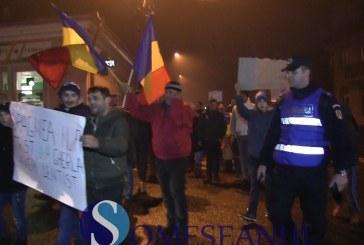 Protest de amploare la Gherla. Peste 300 de oameni au mărșăluit pe străzile din oraș – video