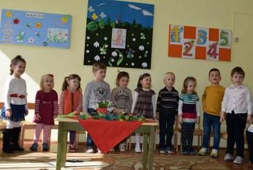 """8 Martie la Grădinița cu Program Prelungit """"PITICOT"""" Dej – FOTO"""