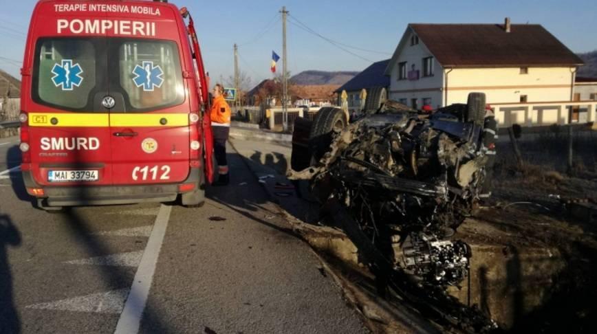 accident masina rasturnata cap de pod