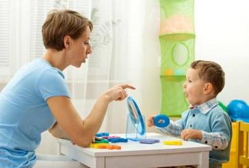 """""""Vorbește cu mine – program gratuit de terapia limbajului"""" pentru copii cu tulburări din spectrul autist"""