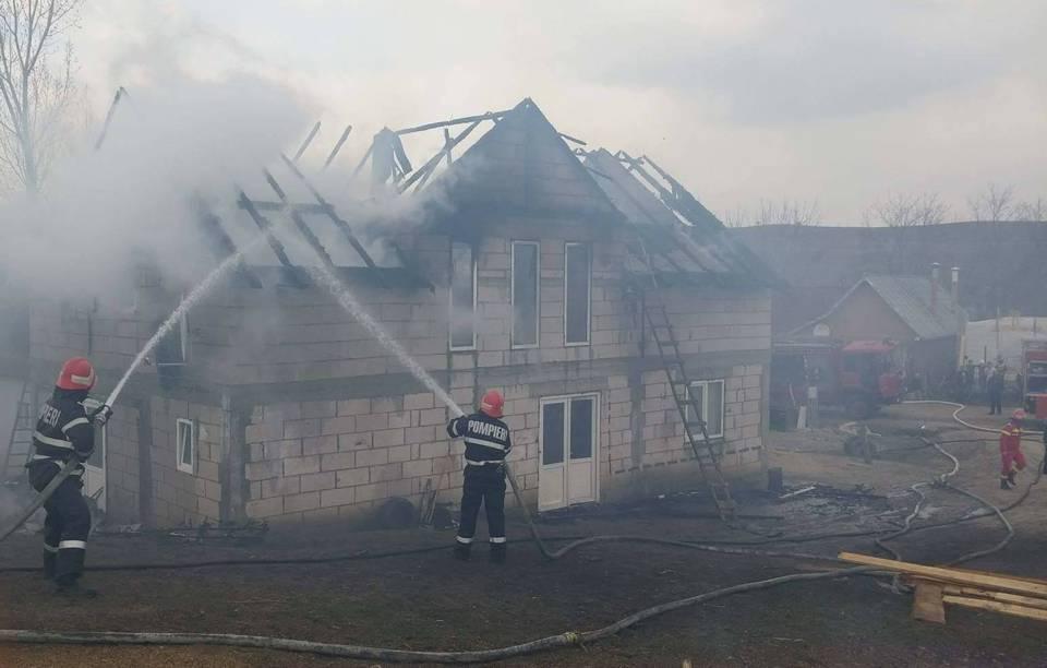 incendiu casa cepari