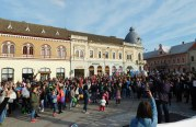 Marşul pentru viaţă 2017, la Dej. Parada cărucioarelor a adunat zeci de mămici în centrul orașului – FOTO/VIDEO