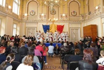 Ansamblul folcloric Someșana Dej și trupa de teatru Arlequin au plecat în Franța. Cât a plătit Primăria Dej pentru deplasare