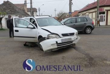 Accident pe strada Liviu Rebreanu. Două mașini s-au tamponat în intersecție – FOTO