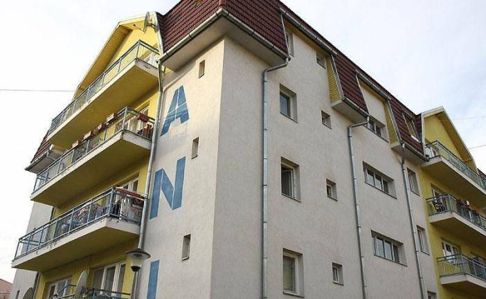 Medicii specialiști și rezidenți și cadrele didactice pot obține locuințe ANL și după 35 de ani
