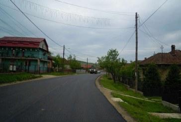 S-a turnat asfalt pe drumul ce leagă Gherla de Sic