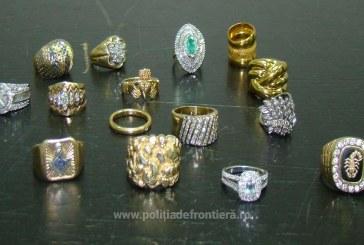 Aproximativ 1,3 kg bijuterii descoperite în bagajul unui cetatean român, la Aeroportul Cluj-Napoca – FOTO