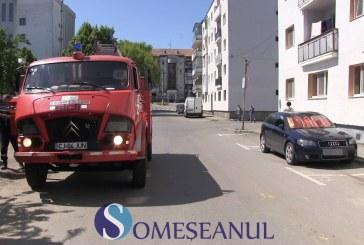 Alarmă pe strada Stejarului din Gherla. Pompierii au intervenit imediat la fața locului – VIDEO