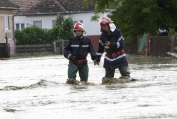 Rupere de nori în Maramureș. Mai multe localități au fost inundate – VIDEO