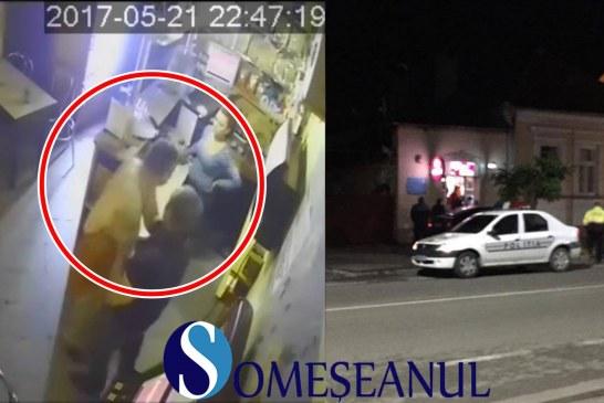 Scandal într-un local din Gherla. Un bărbat din Mintiu Gherlii a distrus mai multe obiecte – VIDEO CAMERĂ SUPRAVEGHERE