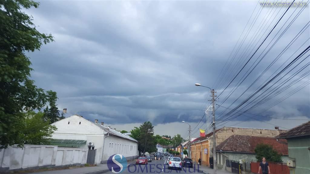 someseanul-nori-ploaie-furtuna-meteo-dej