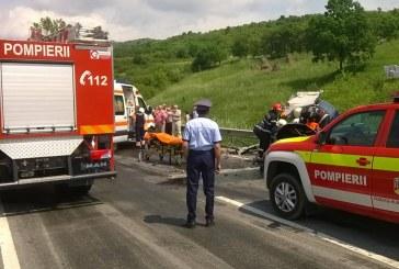 Grav accident la Câțcău. O mașină s-a răsturnat  – FOTO
