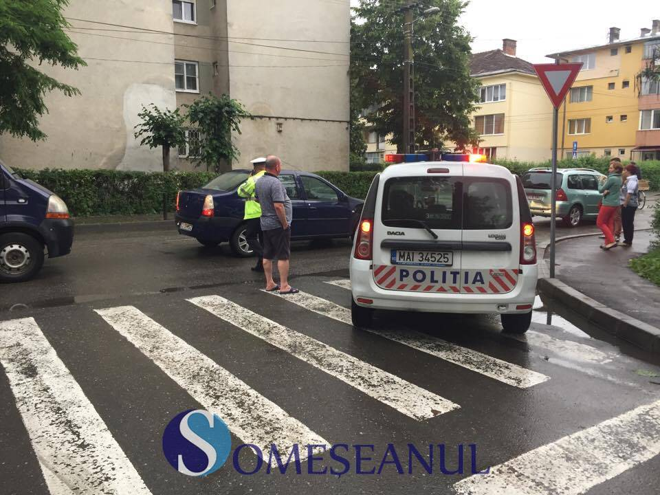 Accident în fața Școlii Generale nr.1 din Gherla, provocat de un șofer beat – VIDEO