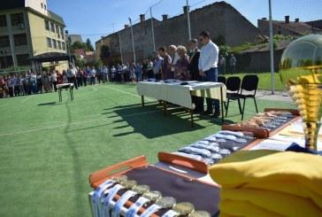 Festivităţi de încheiere a anului şcolar în ultima zi de şcoală la Dej. Elevii au intrat în vacanţa de vară până pe 11 septembrie